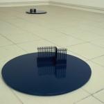 """""""La décision"""", 2003/2004 Bois peint et carton peint 2 parties, 4 éléments 54,5 x 54,5 x 12,5 cm 43,5 x 43,5 x 5,5 cm"""
