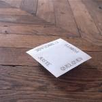 """""""Mise au point"""", 1993 (Juste quelques points d'ancrage) Papier opalux, épingles 0,13 x 0,13 x 0,03 m"""