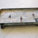 """""""L'empreinte du milieu"""", 2002/2003 Métal et carton peint 0,66 x 0,335 x 0,12 m"""