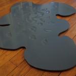 """""""Un tissu d'ombres minuscules pour unique parure"""", 2007/2008 Bois façonné main, peinture 130 x 107 x 2 cm"""