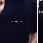 """""""Se tenir ici/Infiniment mobile"""", 1996 Tee-shirts, édition limitée (50 ex), coproduction Galerie Interface, Dijon Oeuvre réalisée pour l'exposition """"50 pièces faciles"""", Dijon, 1996"""